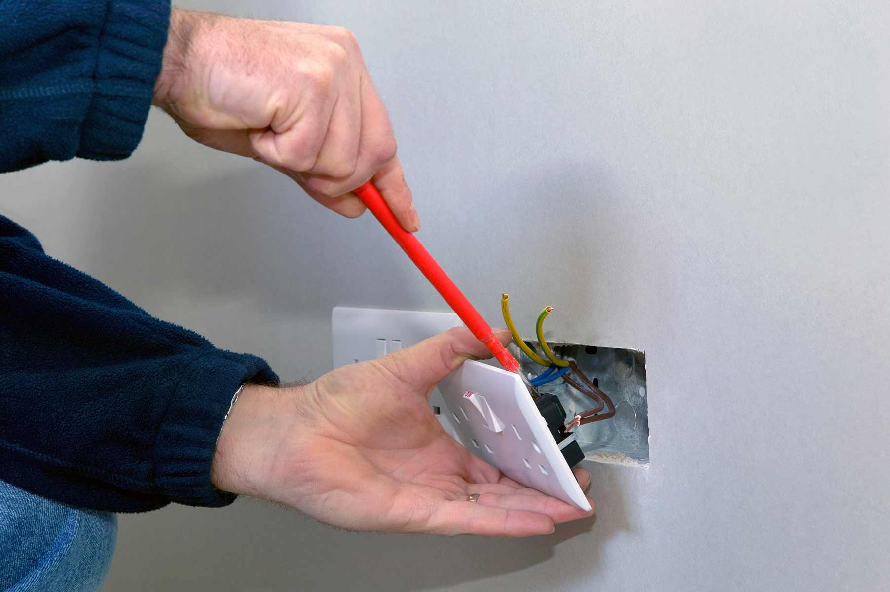 Our electricians can install plug sockets for domestic and commercial proeprties in Waterloo and the local area.